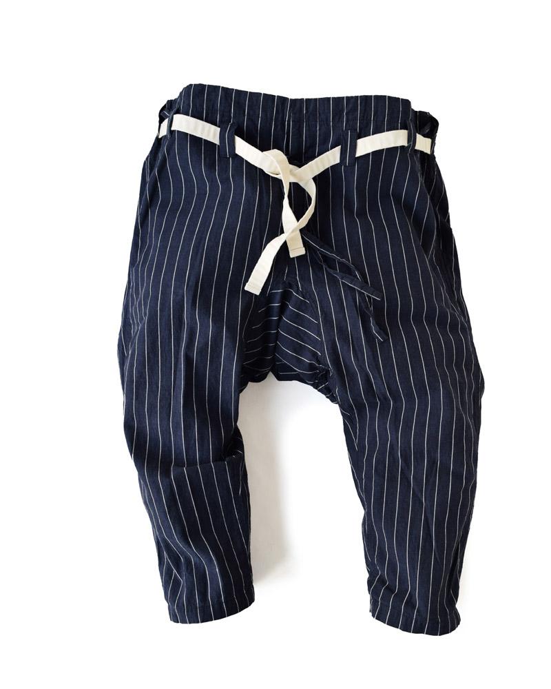 空手袴型第12「細縞」藍に白