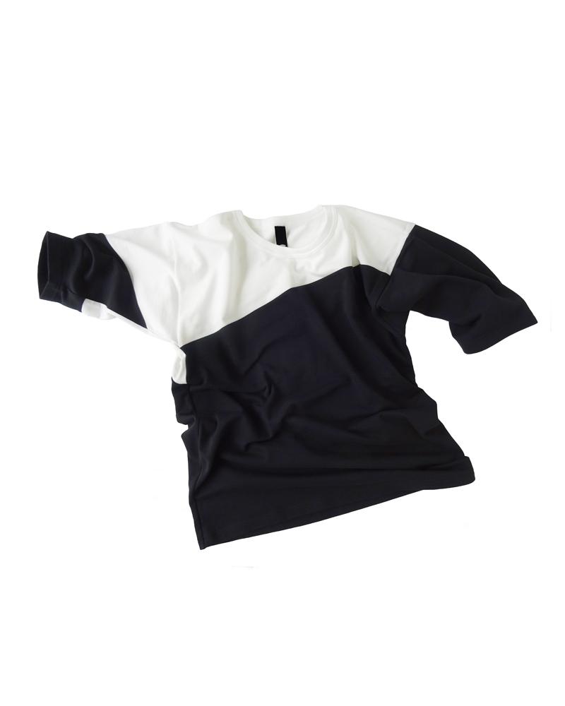 Tシャツ4号 黒に白