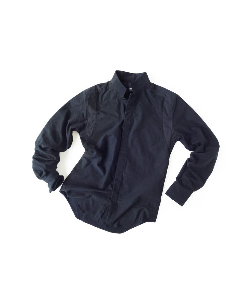 シャツ1号 黒に黒